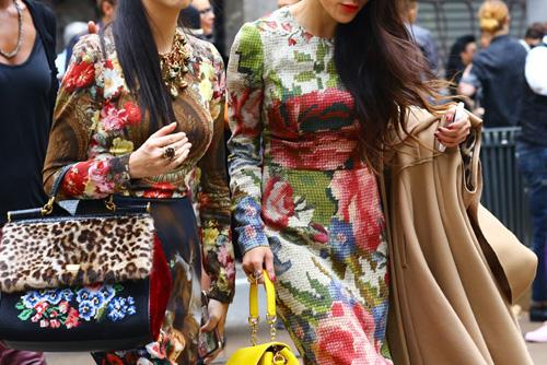 dolce-gabbana-tapestry-floral3.jpg