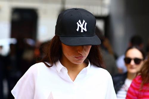 ny-yankees-hat-model2.jpg