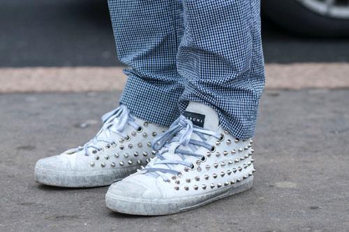 studs sneakers7.jpg