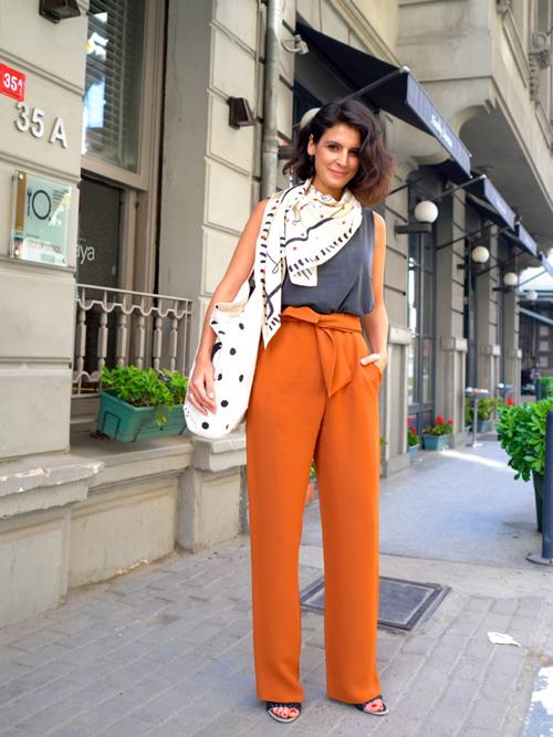 orange pants2.jpg