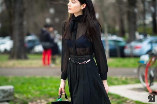 black shirt8.jpg