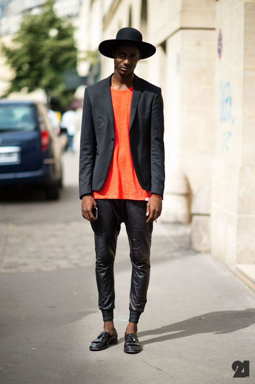 Le-21eme-Arrondissement-Adam-Katz-Sinding-Shyn-Ousman-Le-Marais-Paris-Fashion-Week-France-New-York-City-Street-Style-Fashion-Blog_D4A7011-660x992.jpg