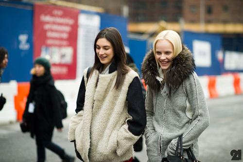 Le-21eme-Arrondissement-Jacquelyn-Jablonski-Ginta-Lapina-Mercedes-Benz-New-York-Fashion-Week-New-York-City-Street-Style-Fashion-Blog.jpg
