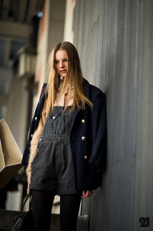Le-21eme-Arrondissement-Tilda-Lindstam-Outside-Theyskens-Theory-The-Armory-Mercedes-Benz-New-York-Fashion-Week-New-York-City-Street-Style-Fashion-Blog.jpg