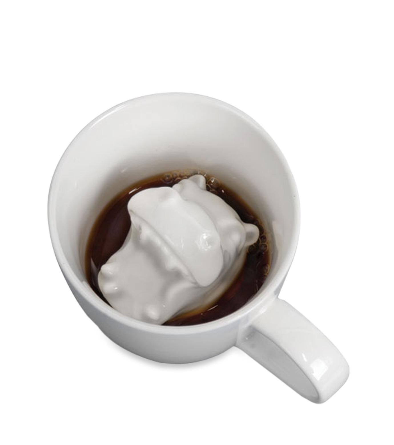 Accoutrements(アクータメンツ)のHippo Attack Porcelain Mug-WHITE-12339-4 拡大詳細画像1