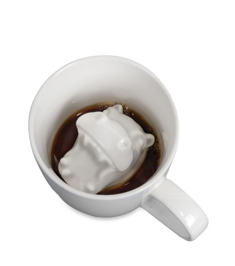 Accoutrements(アクータメンツ)のHippo Attack Porcelain Mug-WHITE-12339-4 詳細画像1