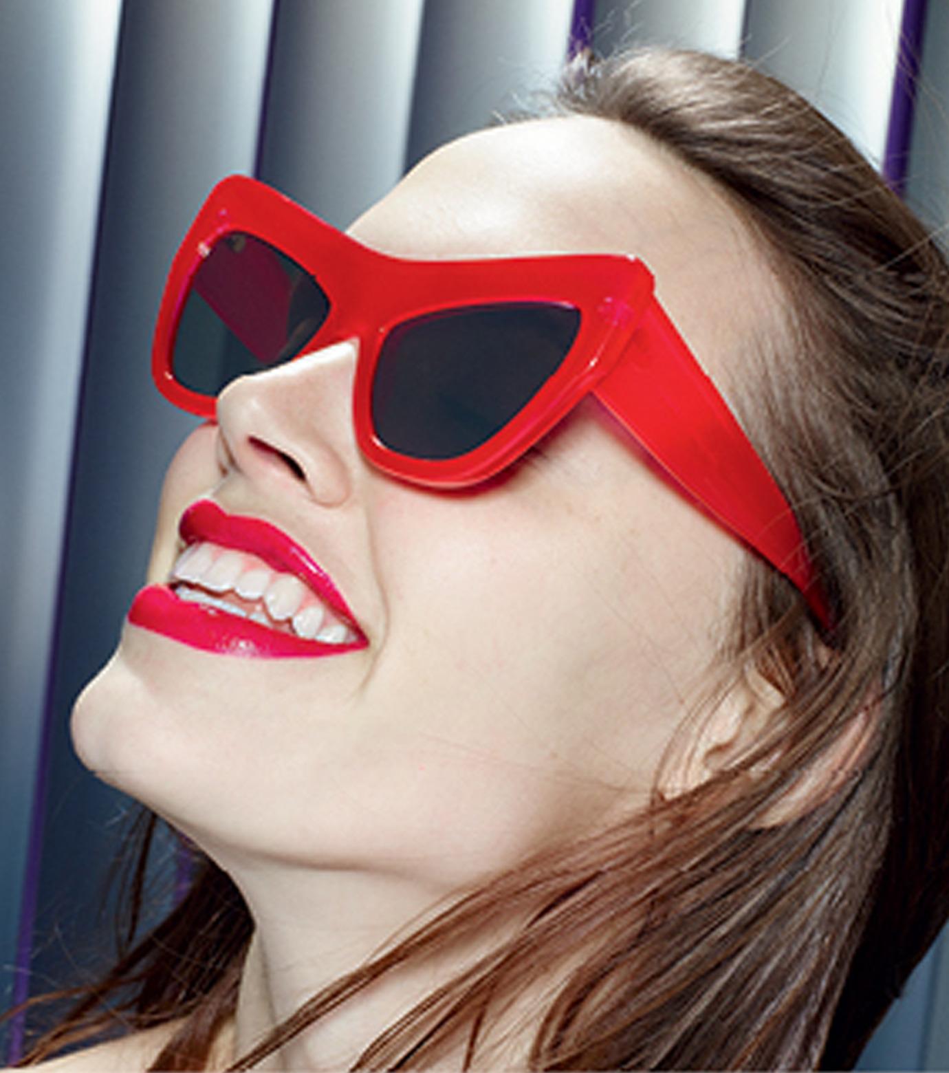 Adam Selman×Le Specs(アダム・セルマン×ル・スペックス)のPlaygirl -Opaque Red / Silver Mirror--RED(アイウェア/eyewear)-1502064-62 拡大詳細画像4