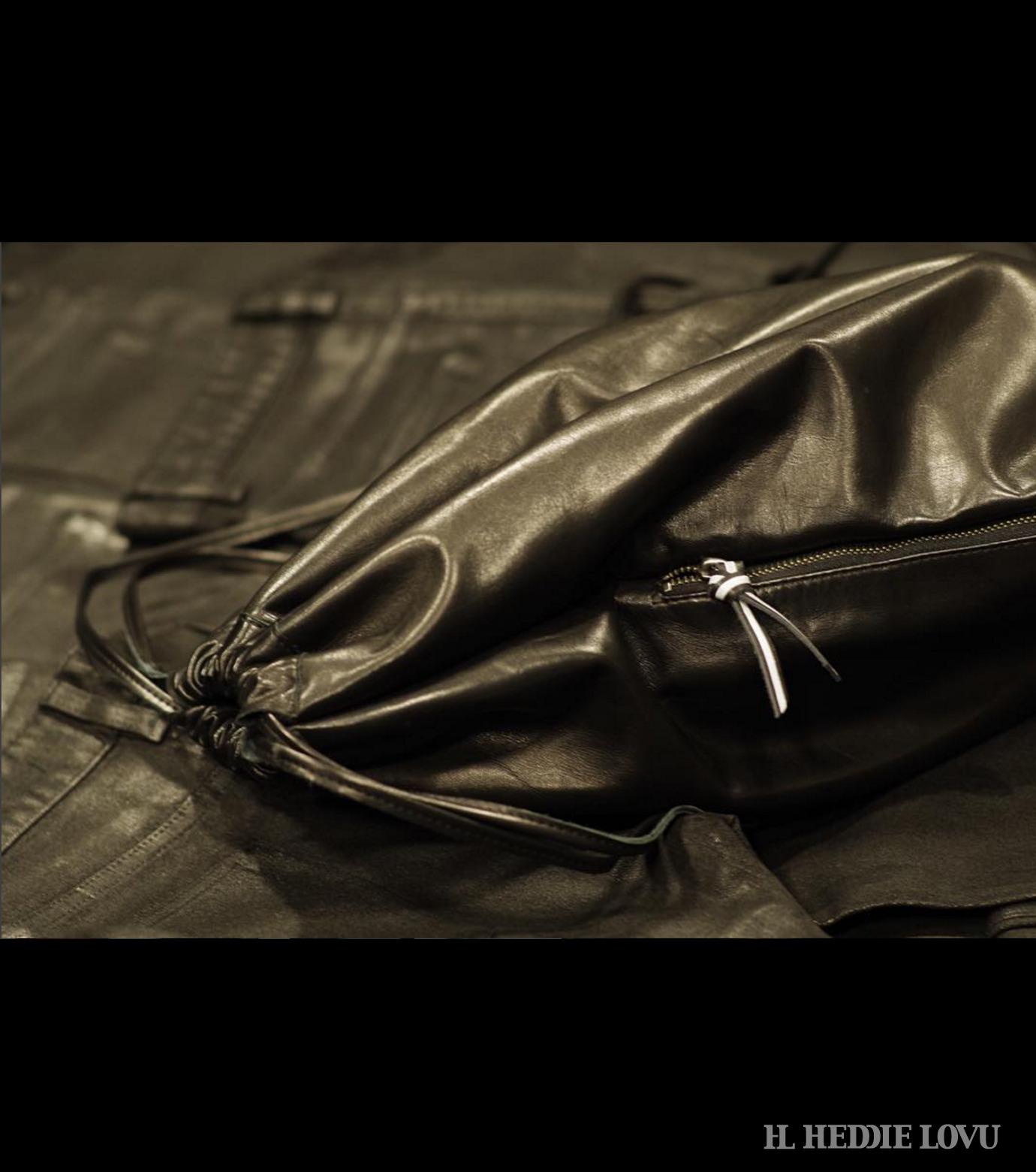 HL HEDDIE LOVU(エイチエル・エディールーヴ)のLEATHER KNAP SAC-BLACK(バッグ/bag)-17A900008-13 拡大詳細画像5