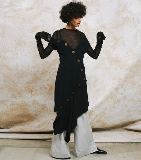 IRENE(アイレネ)のボタンラッフルトップス-BLACK(トップス/tops)-19S85010 詳細画像9