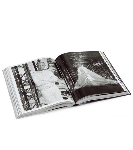 ArtBook(アートブック)のLove looks not with the eyes: thirteen years with lee alexander mcqueen.-GRAY(インテリア/OTHER-GOODS/interior/OTHER-GOODS)-4197-0448-2-11 詳細画像5