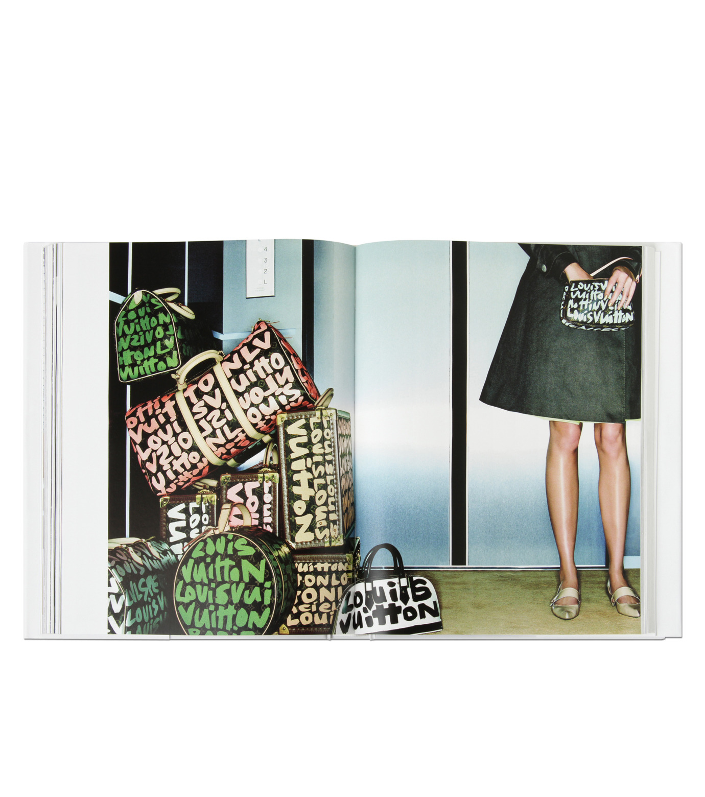 ArtBook(アートブック)のLouis Vuitton Fashion Photography.-GRAY(インテリア/OTHER-GOODS/interior/OTHER-GOODS)-8478-4331-2-11 拡大詳細画像3