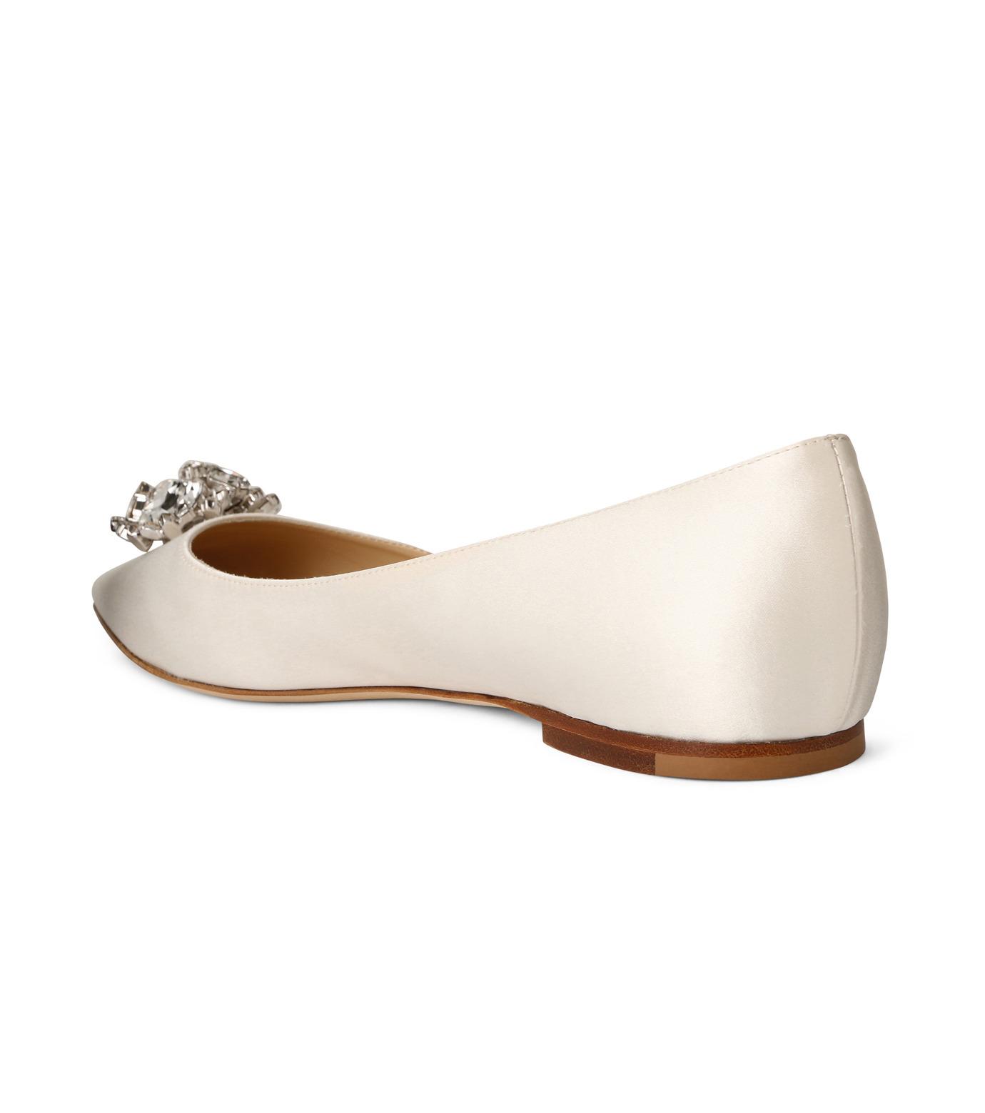 Jimmy Choo(ジミーチュウ)の010STV Satin Flat w/Crystal Brooch-WHITE(フラットシューズ/Flat shoes)-ALINA-5 拡大詳細画像2