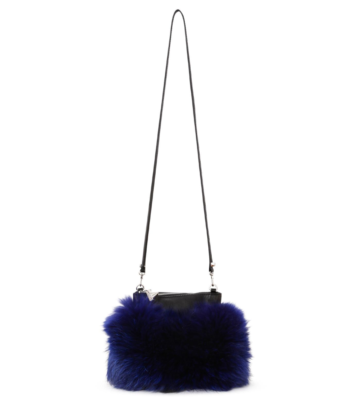 Emm Kuo(エムクオ)のfur flat bag-BLUE(ショルダーバッグ/shoulder bag)-EK02204D-92 拡大詳細画像1