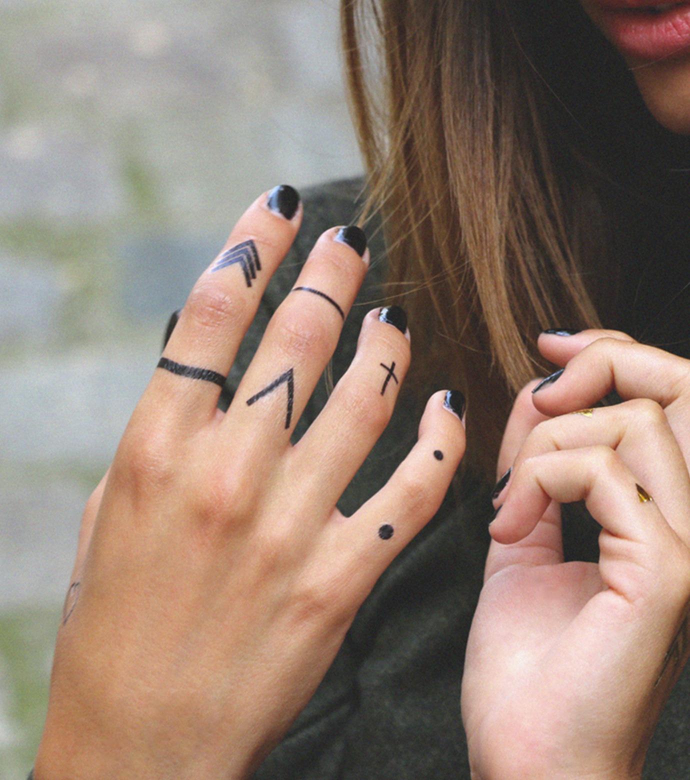 DCER(ディーシーイーアール)のBlack Rings Tattoo-BLACK(MAKE-UP/MAKE-UP)-FW14003-13 拡大詳細画像2