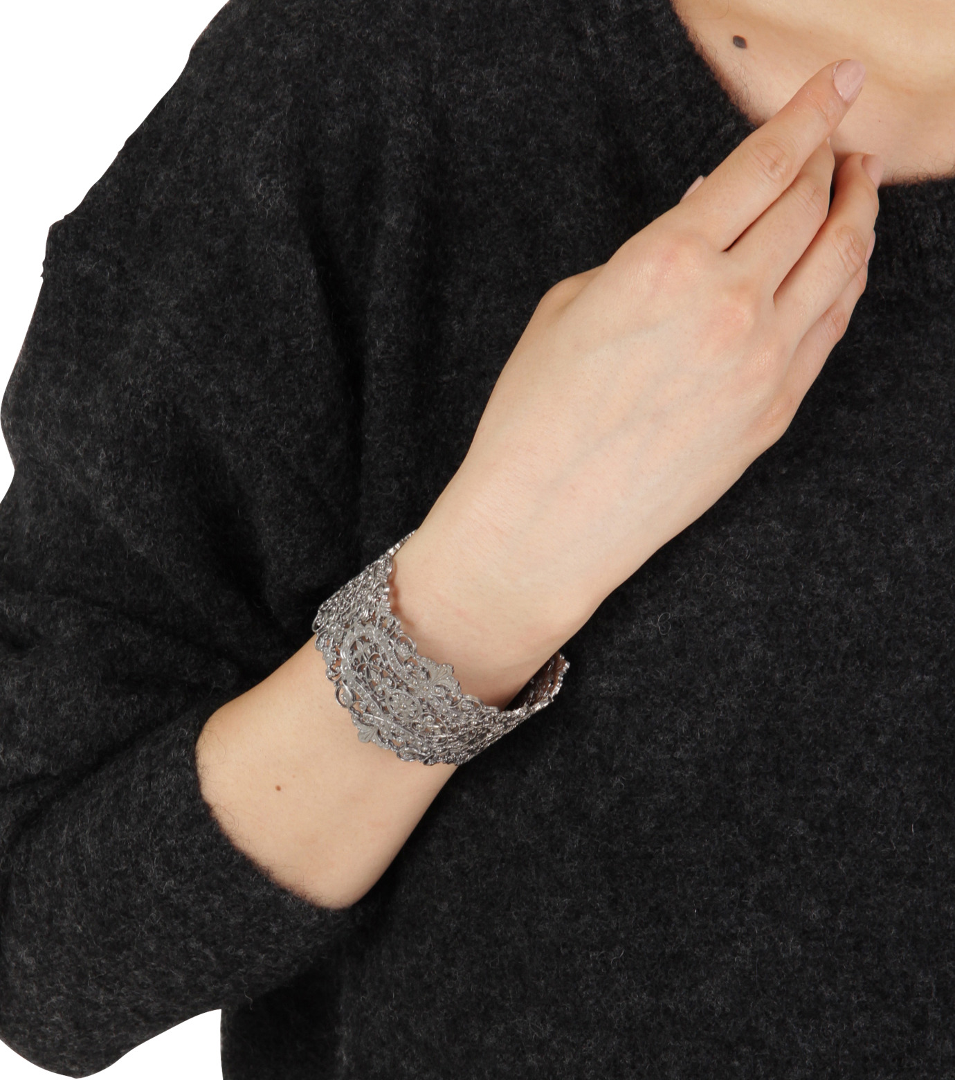 I AM by Ileana Makri(アイ アム バイ イリーナ マクリ)のAntoinette Cuff-GUNMETAL(ブレスレット/bracelet)-O239-45-099-6 拡大詳細画像4