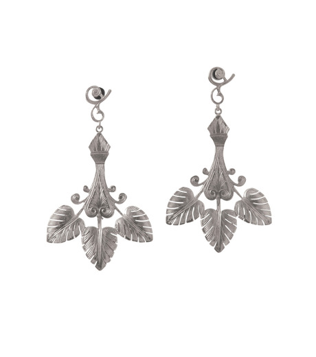 I AM by Ileana Makri(アイ アム バイ イリーナ マクリ)のTriple Golden Leaf Earrings-GUNMETAL-O523-45-099-6 詳細画像1