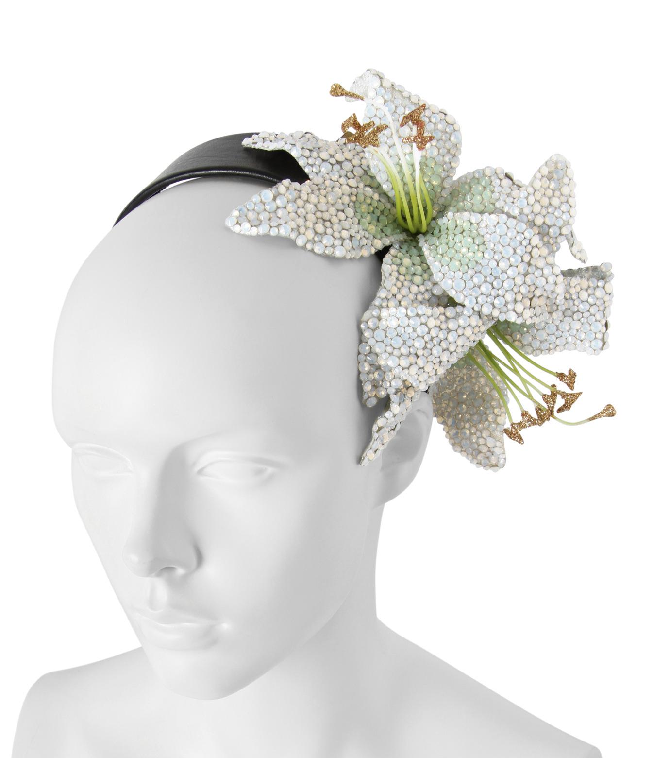 Piers Atkinson(ピアーズ アトキンソン)のSwarovski Crystal Encrusted Lilyes-WHITE(アクセサリー/accessory)-PA-24-4 拡大詳細画像3