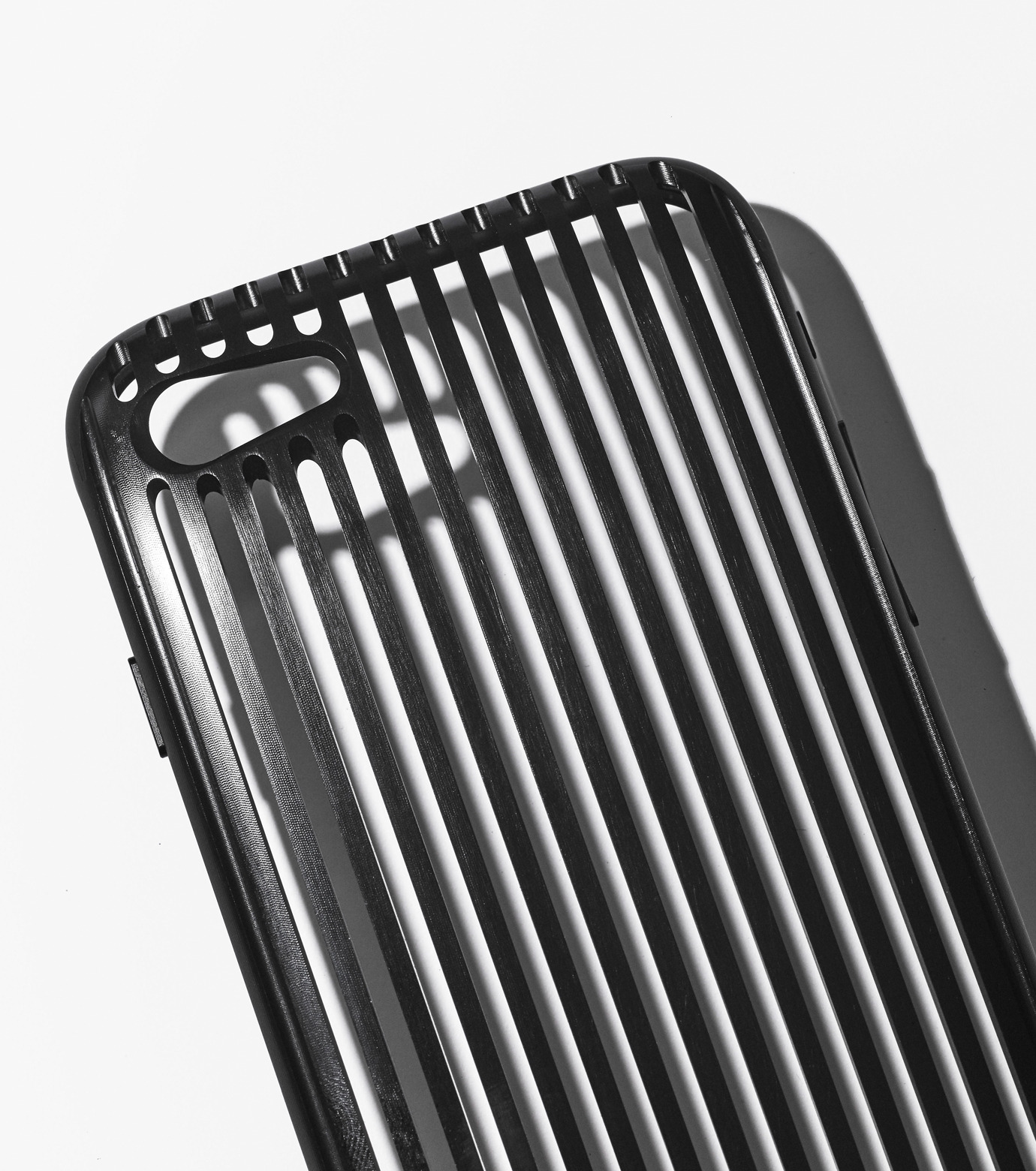 SQUAIR(スクエア)のTHE SLITfor iPhone7-BLACK(ケースiphone7/7plus/case iphone7/7plus)-RES-the-slit-i7 拡大詳細画像3