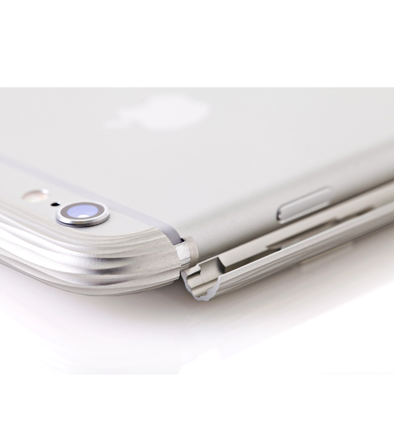 SQUAIR(スクエア)のThe Dimple for iPhone6s plus-SILVER(ケースiphone6plus/6splus/case iphone6plus/6splus)-SQDMP630-SLV-1 拡大詳細画像4