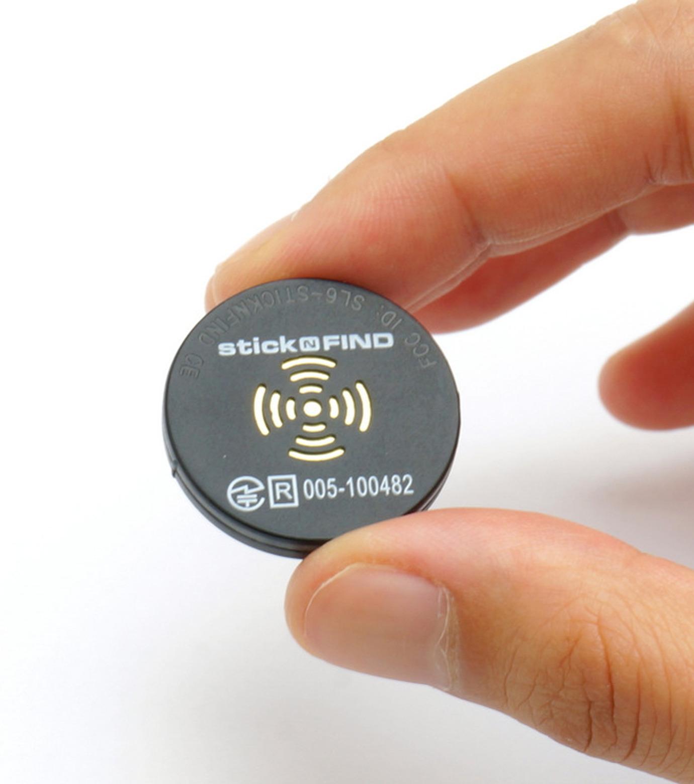StickNFind(ステッカー・ファインド)のBluetooth Sticker-BLACK(ガジェット/gadgets)-Stick-N-Find-13 拡大詳細画像4